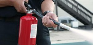 cara menggunakan alat pemadam api