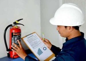 Cara Membersihkan Residu APAR Powder dan Tips Tambahan